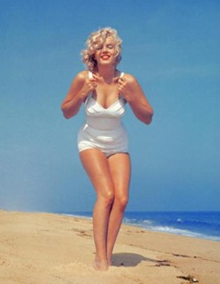 Marilyn Monroe  - Perfect 0.7 waist-to-hip ratio